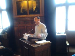 Guy Standig aan het woord op de conferentie basisinkomen