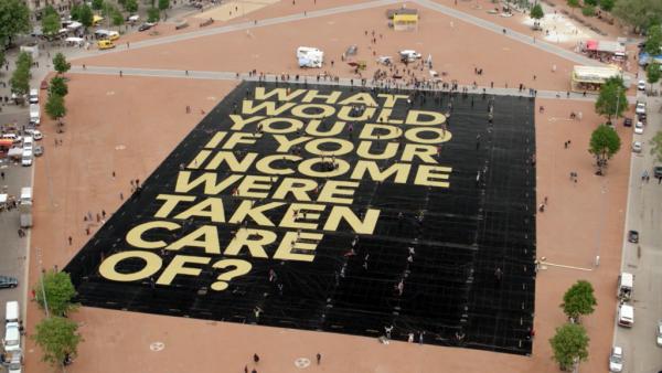 Wat als we een wereldwijd basisinkomen invoeren van 100 euro? [radio]
