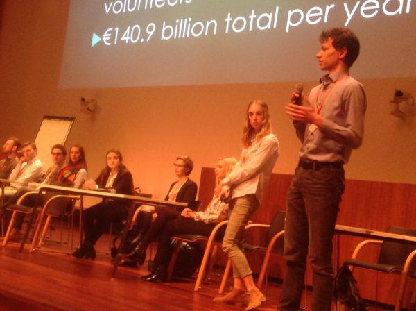 150 eerste jaars studenten economie over basisinkomen in Utrecht ( 16 maart)